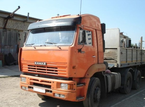 КамАЗ 6460