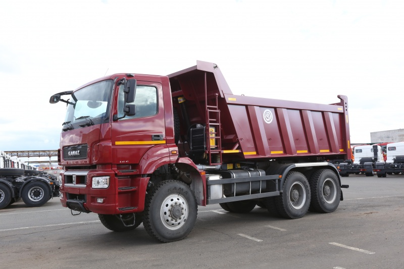 КамАЗ 6520LUX